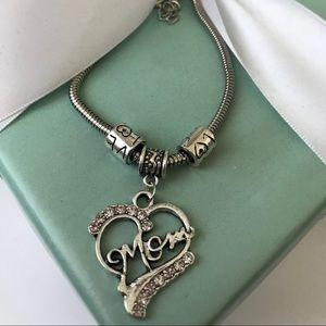 Jewelry - 🆕 New Mom Crystal Heart Bracelet